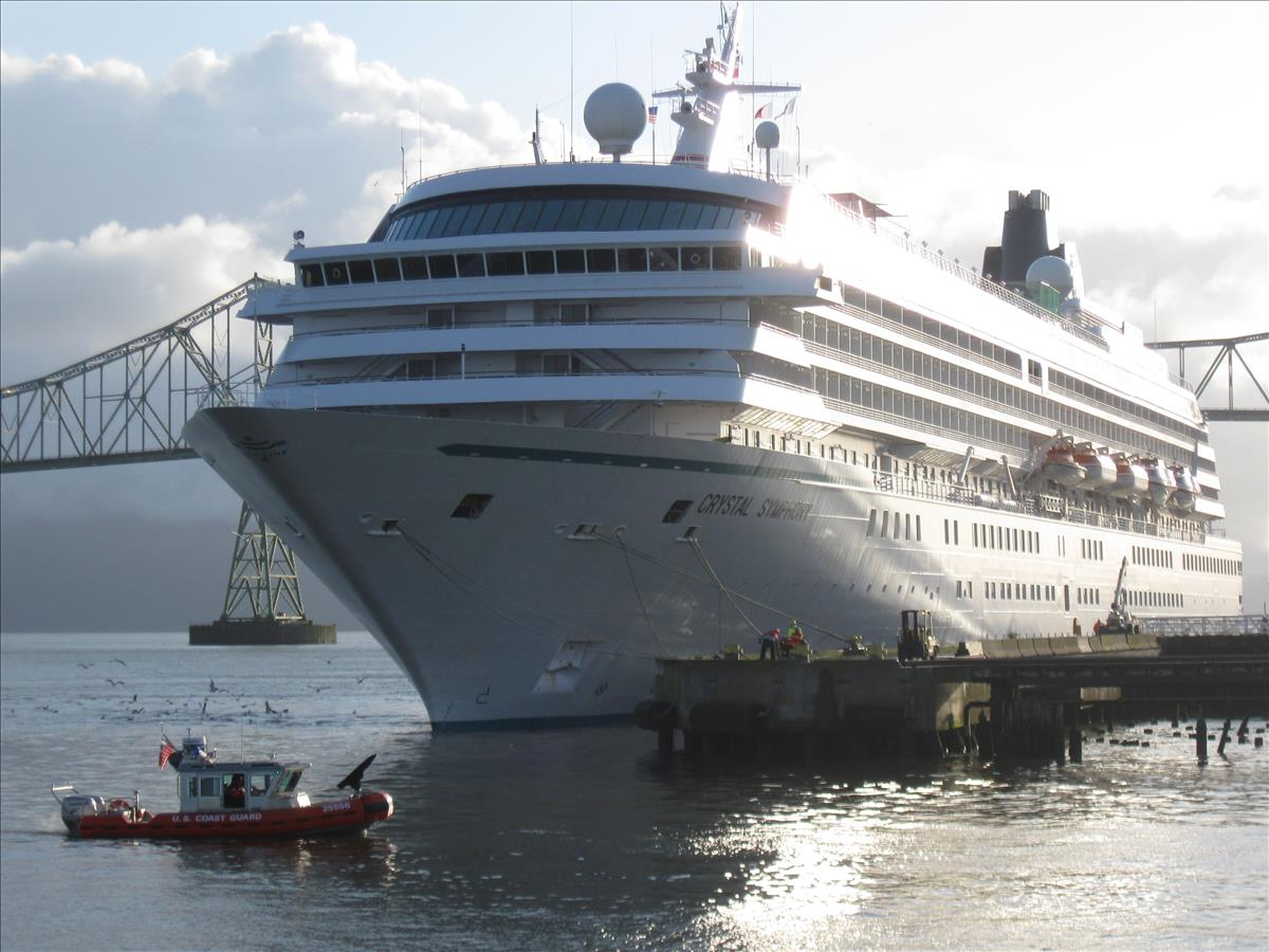 Port Of Astoria Cruise Ship Photos