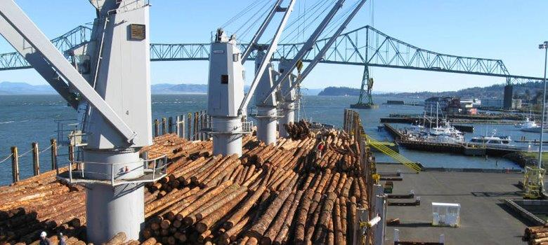 Log ship being loaded