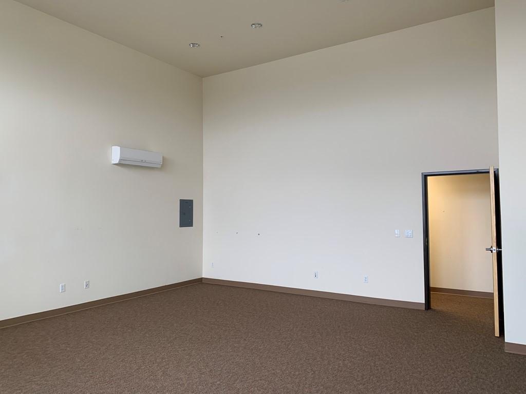 Suite 305