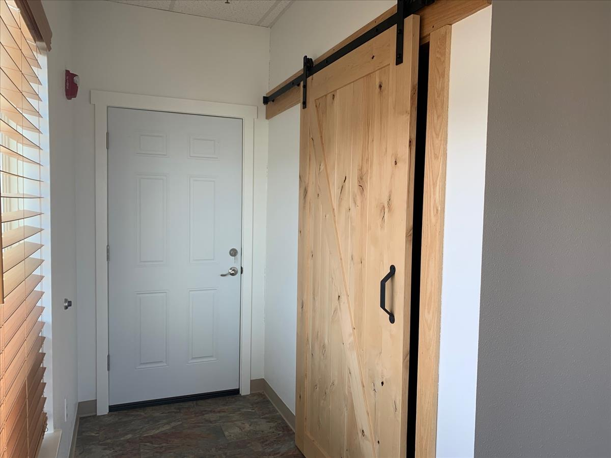 Suite 103 - Entry to Secondary Space